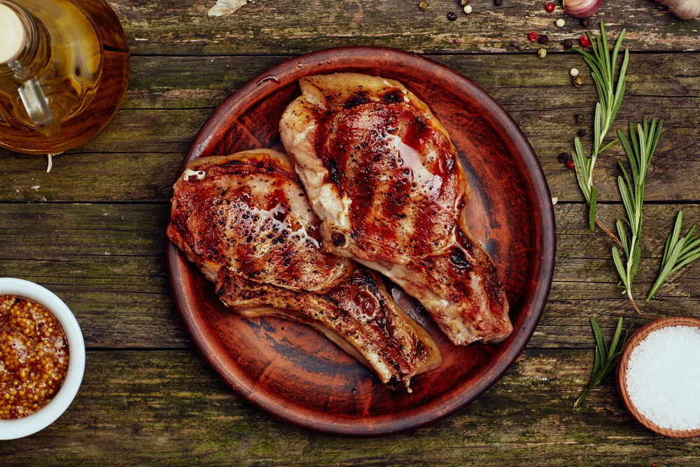 How to Grill Pork Chops – Key to Juicy, Smoky Flavored Pork Chops