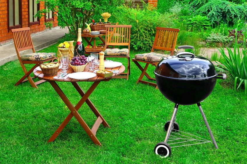 What is a Good Gift to Bring to a BBQ?
