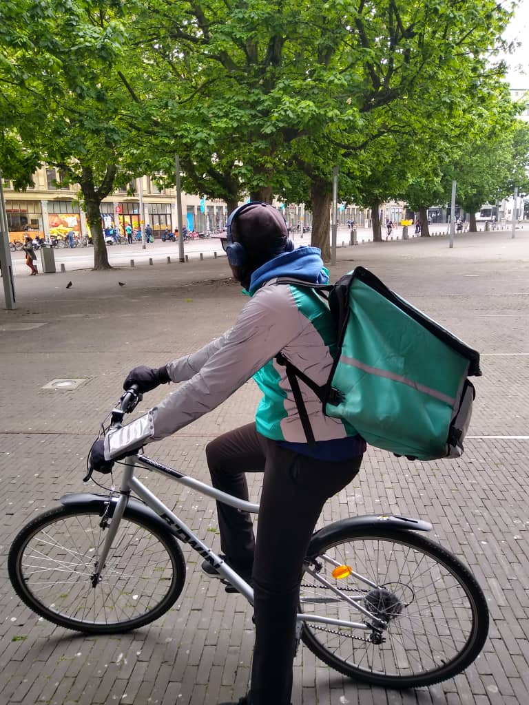07: An undocumented migrant student living in the Netherlands describes his experience working as a freelance rider for Deliveroo during lockdown.