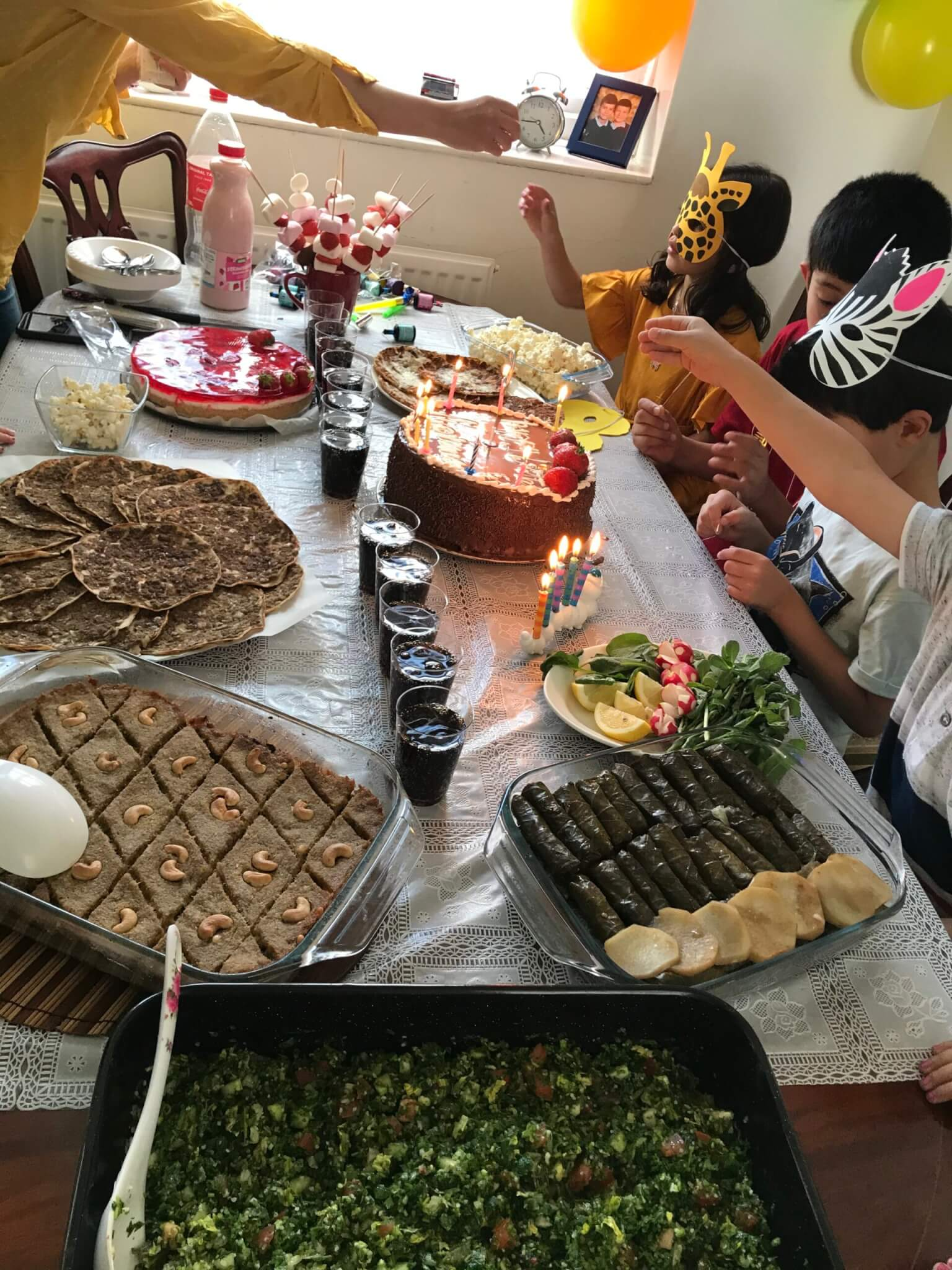 05: A Syrian family living in England were finally able to visit friends after almost three months for a birthday party with their children.