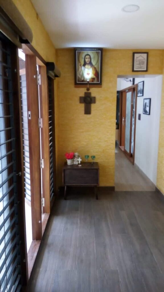 Textured wall prayer room layout