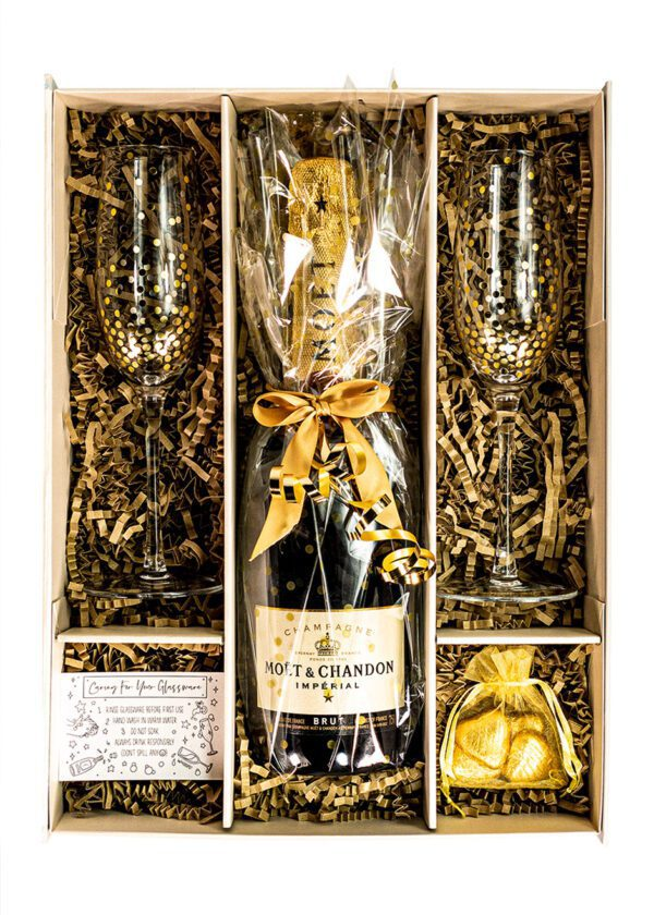 Moet and Chandon | Brut Imperial | 75cl | Gold | Sparkleware Gift Set | Keico Drinks