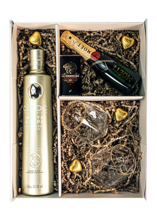 Ciroc White Grape 75cl   Moet & Chandon 20cl   Sparkleware Cocktail Gift Set   KeiCo Drinks