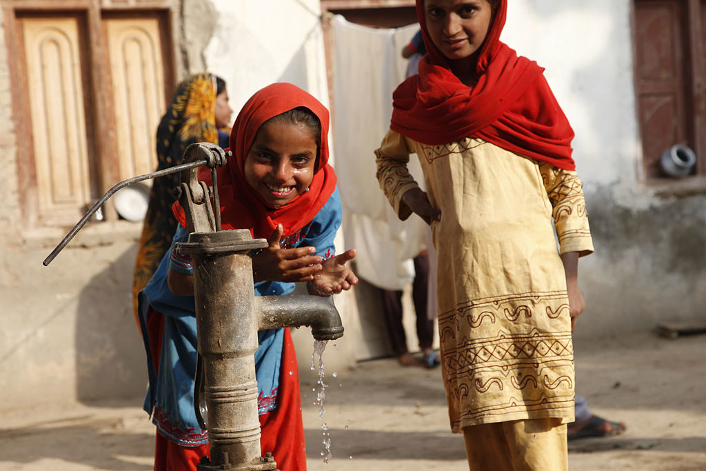 Clean Water and Sanitation   Global Goal 6