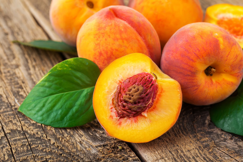12 Impressive Health Benefits of Peaches and Nectarines
