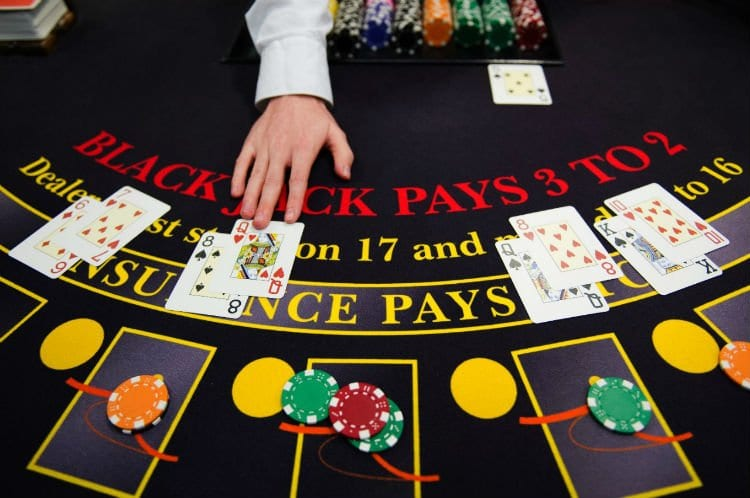 Play Blackjack Online Now for Anyone Over 18 to Play!