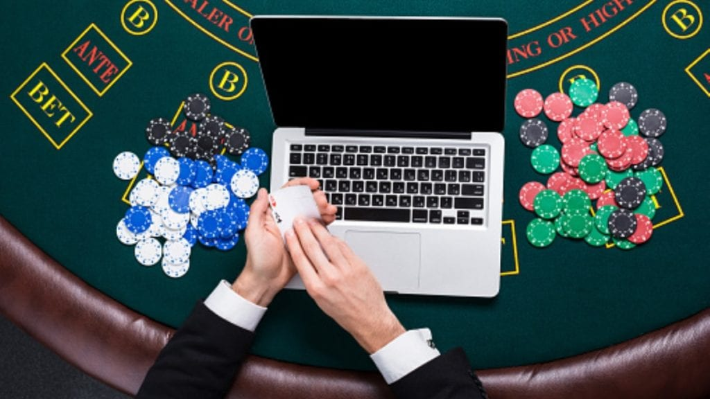 Luna Casino Offers Amazing Online Poker and Slots