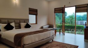Corbett Panorama Resort - Pool View Suite