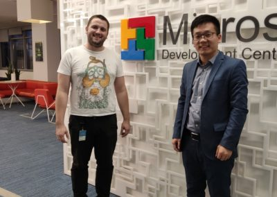 1-Meeting-Microsoft-400x284