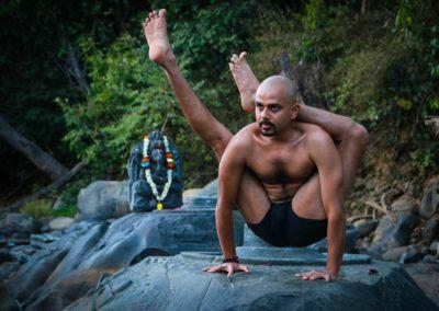 Oil Yoga with Yogi Trupta