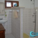 14.- Casa Uman - Second floor bathroom