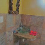 12.- Casa Lavanda - Half bathroom