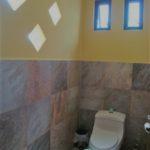 13.- Casa Lavanda - Half bathroom