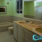 10.- Condo Las Brisas 602 - Master Bathroom