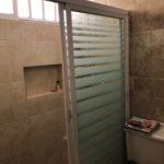 13.- Casa Ros - Bathroom 1 shower