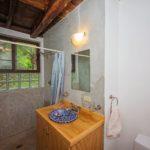 14. Centro Holistico - 1st Floor King Bathroom