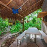 35. Holistico - Dorm_guesthouse patio