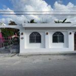 1.- Casa de la Luna - Front view