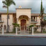 1.- Villa Frida - Front view