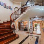 8.-Villa Frida - Stairs to second floor