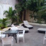 16.- Casa grande - garden