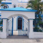 2-Casa-Nubes-front-entrance