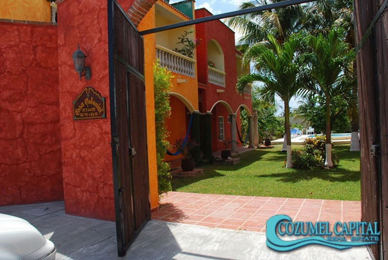 1.-Casa_Colonial-Front-view