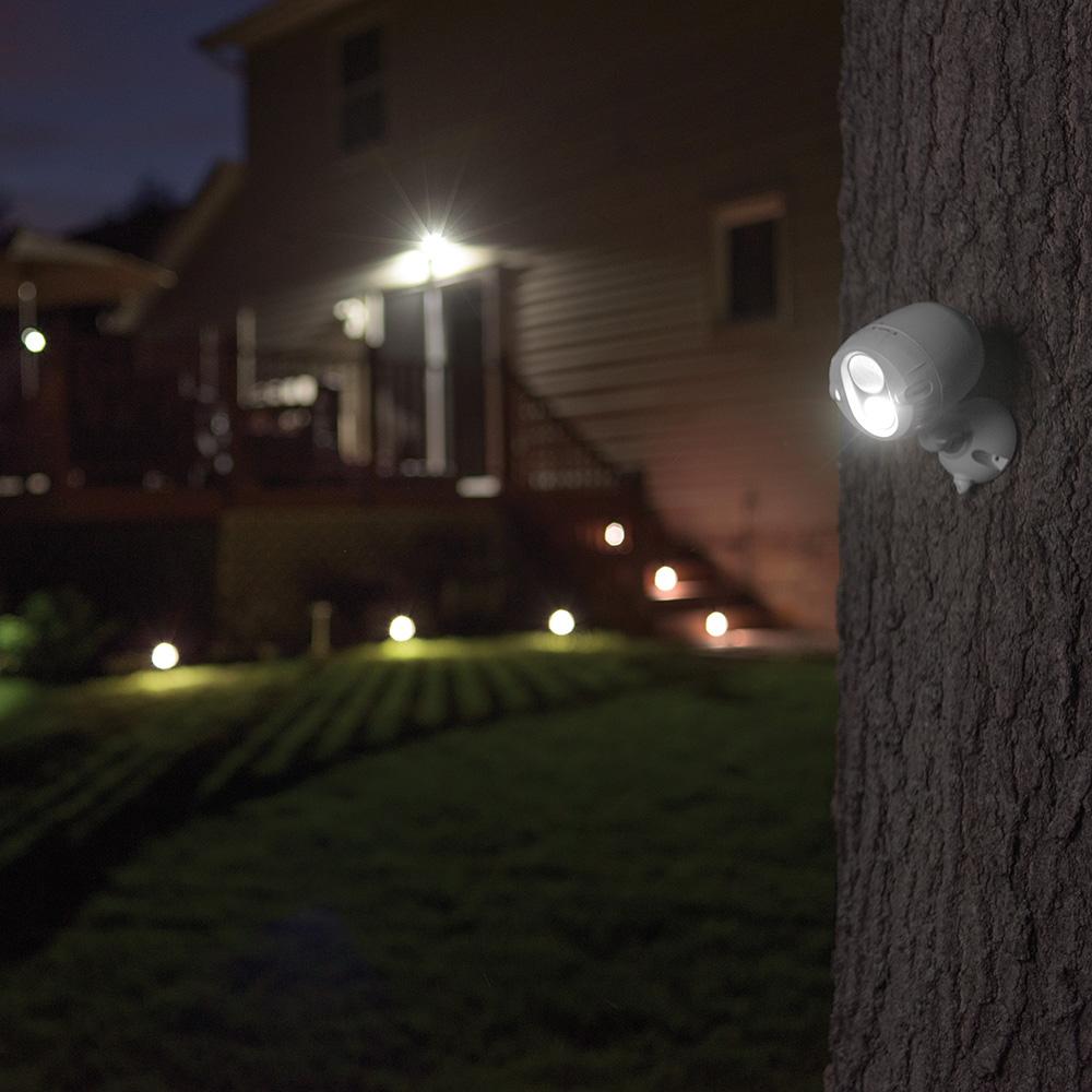 MR BEAMS MBN340 MBN350 serieforbundne udendørslamper i brug