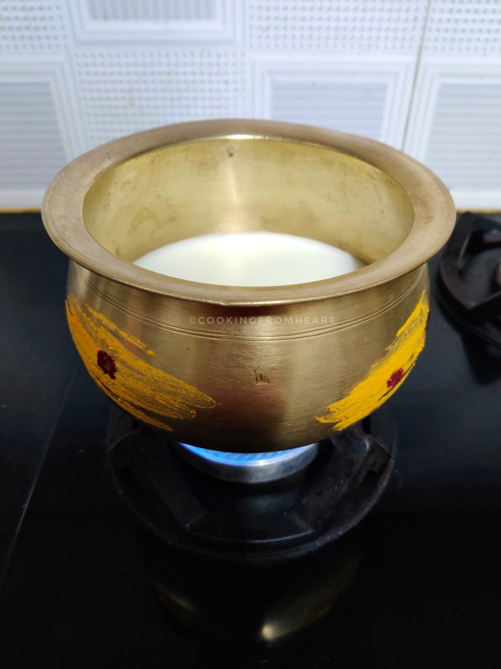 Traditional Pongal Brass Pot