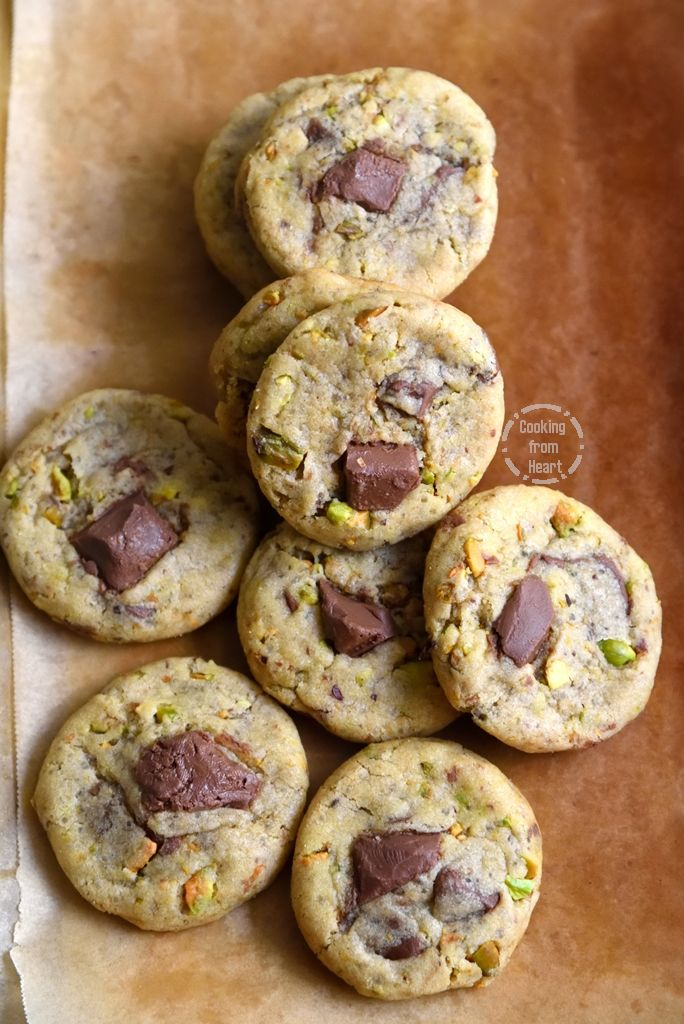 Bestest Eggless Chocolate Chip Cookies