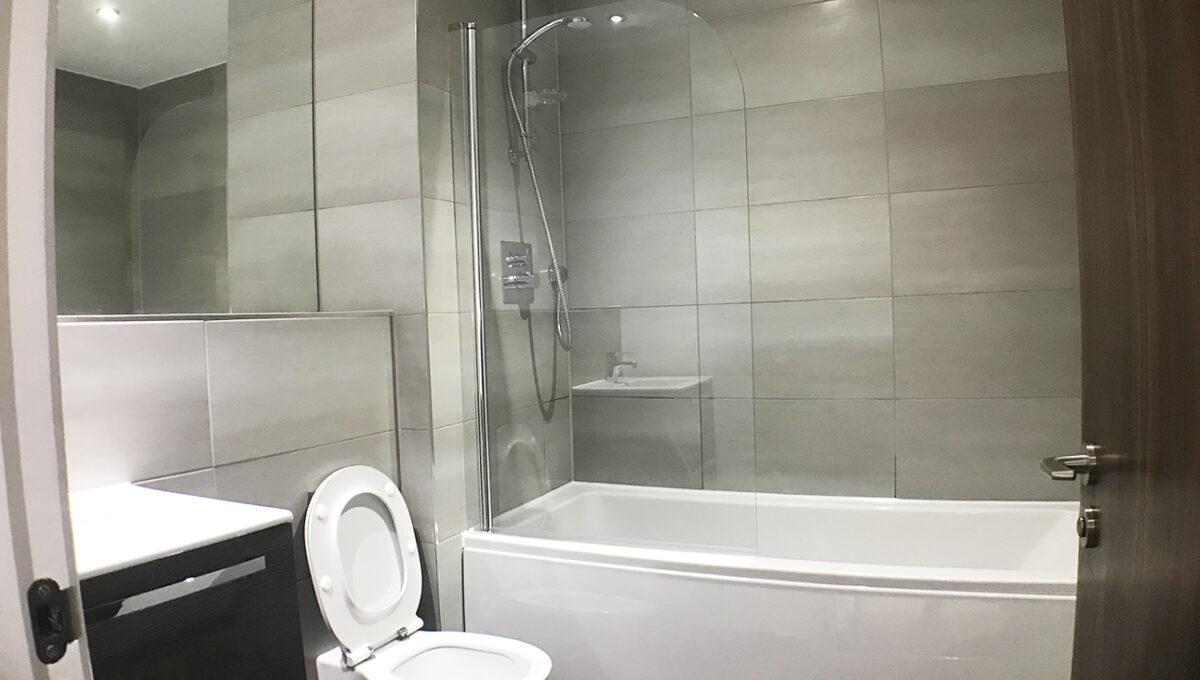 Regency Place-bathroom