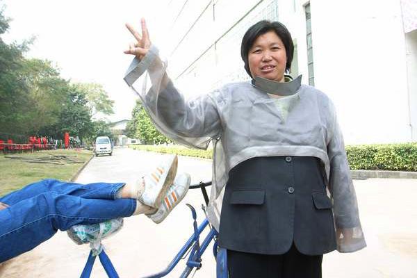<em>DeadEND</em> pedicab driver