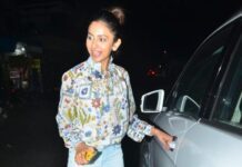 Rakul Preet Singh looks pretty in casuals as she got snapped in the city