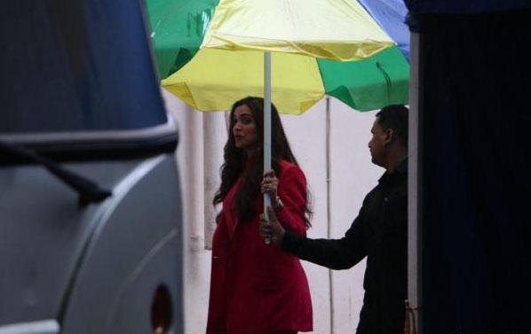 Deepika Padukone spotted in mumbai