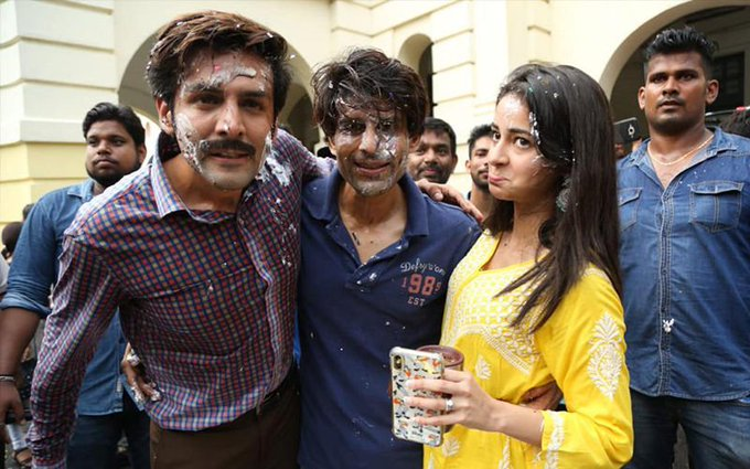 PHOTOS:Kartik Aaryan and Ananya Panday wrapped up the Lucknow shooting schedule for their upcoming movie.