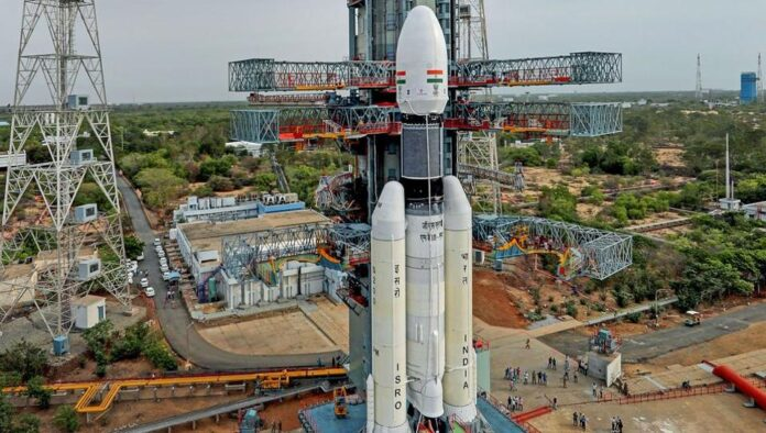 Some of the tweets from Bollywood lauding ISRo efforts are as follows
