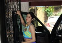 Janhvi Kapoor outside gym