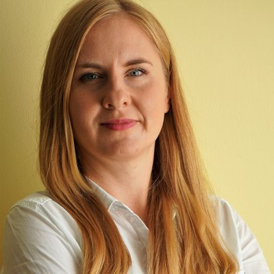 ANNA LESNIOK - Assistant Manager