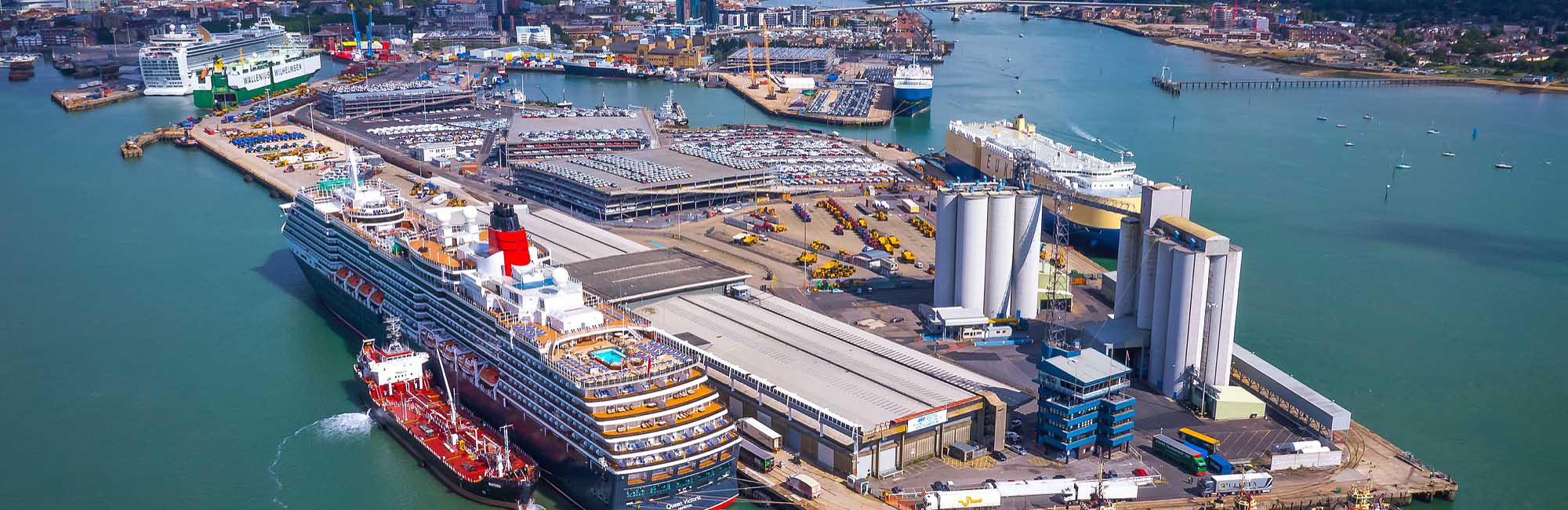 UK port transfer taxi services
