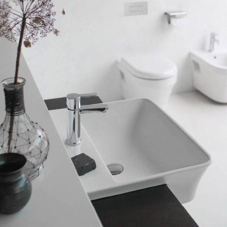 Fine 600mm Ceramic Semi Recessed Basin