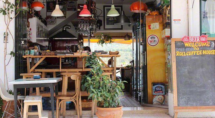 ROLL Coffee House