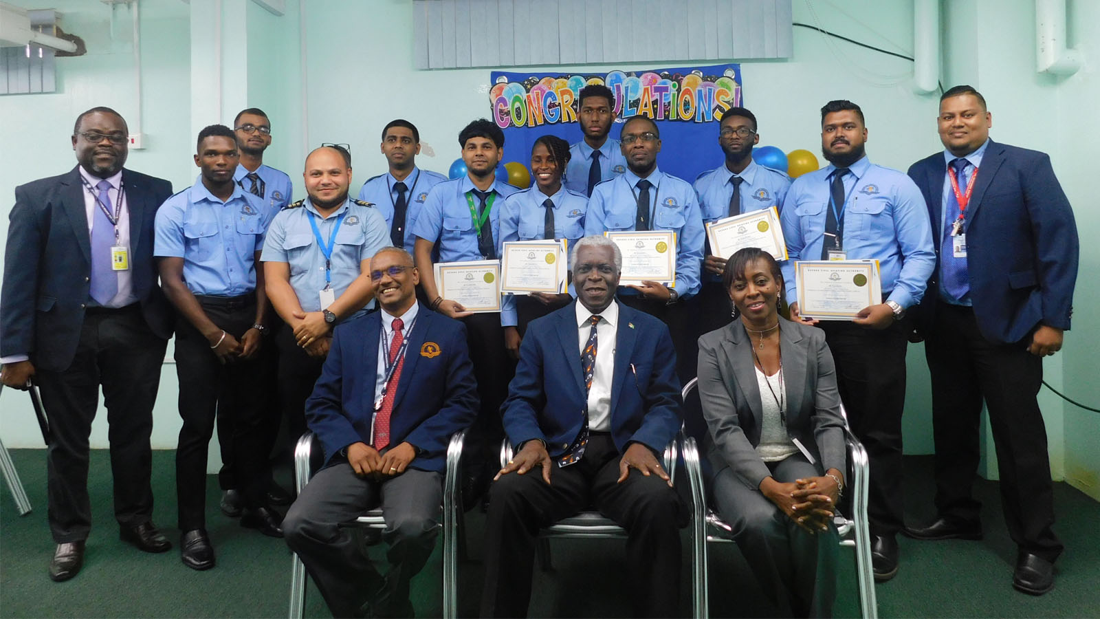 8 Persons complete Approach Control non radar training course