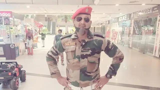 fake-soldier-arrested