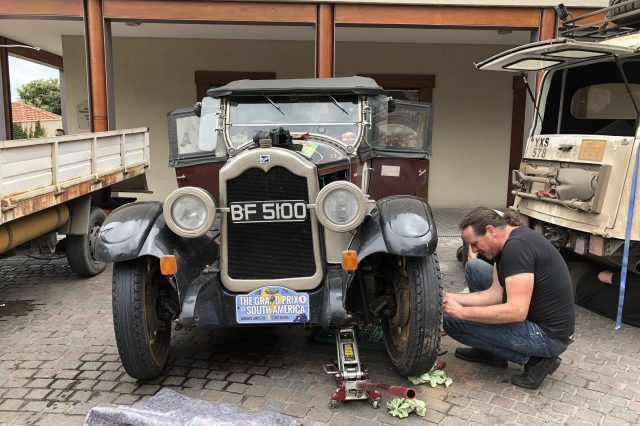Thomas gives the 1925 Buick Standard Six some love
