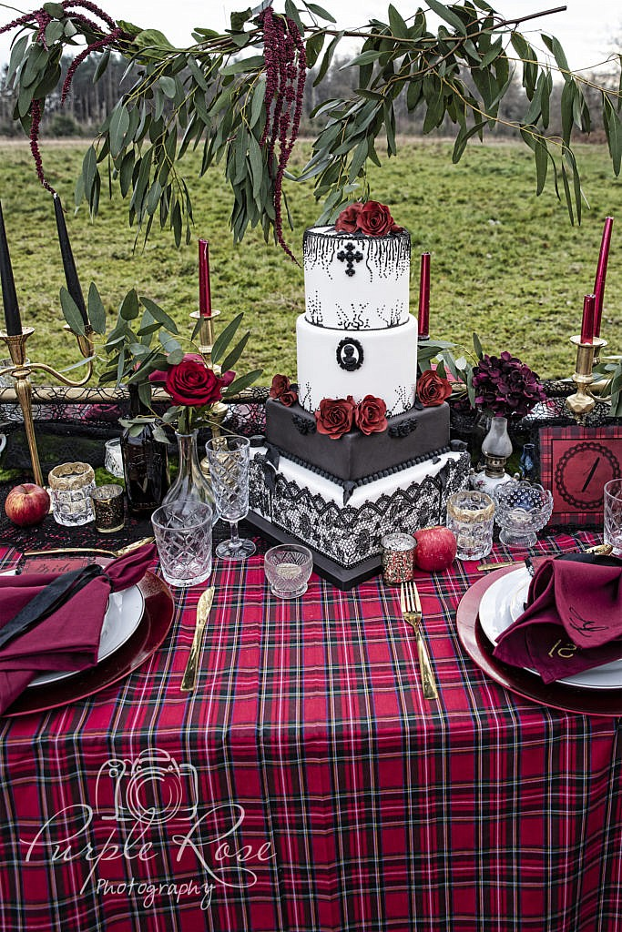 Gothic table styling