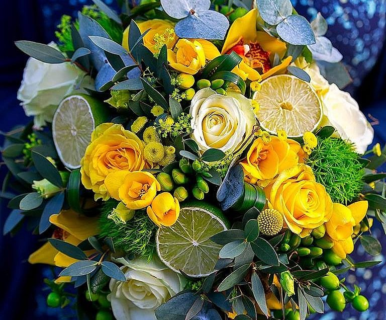 Top five things to consider when booking your wedding flowers