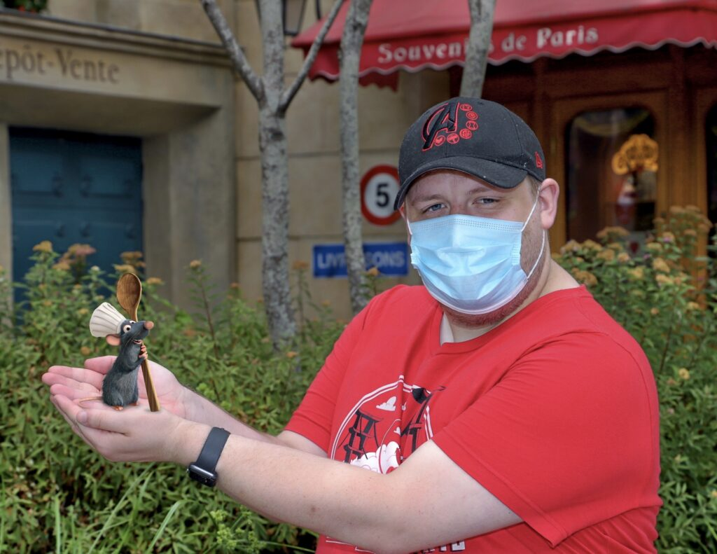 Pose with Remy from Ratatouille in a Magic Shot at Place des Remy in Disneyland Paris