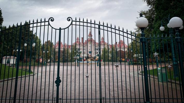 Disneyland Paris is to close, again, until further notice