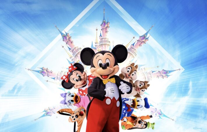 Official graphic announcing Disneyland Paris will re-open on 17th June 2021