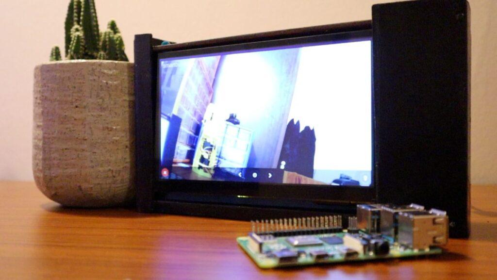 Smart CCTV Camera - display on live stream